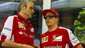 Maurizio Arrivabene vill se förstaplatser av Kimi Räikkönen och hans stallkamrat Sebastian Vettel.