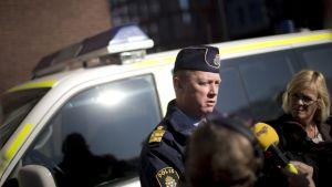 Regional polischef Klas Friman ger kommentarer efter skottlossningen i Göteborg 19 mars 2015