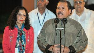 Daniel Ortega och hans fru Rosario Murillo.