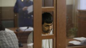 En av de misstänkta för metroattacken i S:t Petersburg i rätten