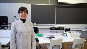 Hélène Nordberg undervisar i spanska och franska i Brändö gymnasium i Helsingfors.