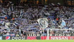 Nöjda fans i Köpenhamn när laget vägrar förlora.