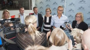 Presskonferens under Samlingspartiets möte i Seinäjoki.