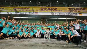 Mercedesstallet efter F1-säsongen 2015.