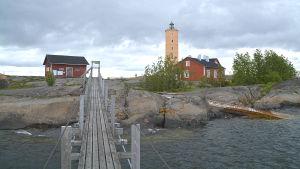 Söderskärs fyr sedd rån hängbron