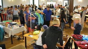 Loppmarknad i Hedåsen.