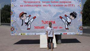 Rufus Kesti från Raseborg deltar i VM-tävlingarna i taekwondo i Dushanbe, Tadzjikistan.
