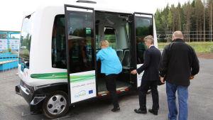 Förarlös buss på bostadsmässan 2015.