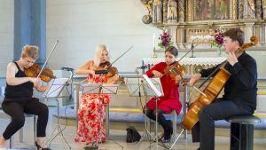 Artende-kvartetten spelar i Solf kyrka