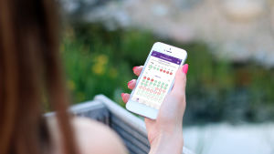 Att använda digitala mobilapplikationer som preventivmedel blir allt vanligare.