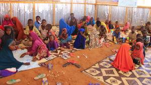 barn o flyktingläger i mogadishu