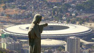 Kristusstatyn framför Maracanastadion i Rio de Janeiro