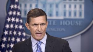 Den nationella säkerhetsrådgivaren Michael Flynn har ändrat sin berättelse om samtalet med Kisljak fler agpnger under de senaste veckorna