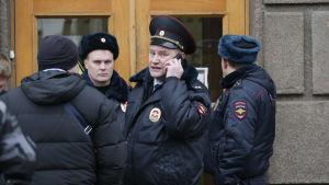 Polis i S:t Petersburg.