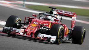 Sebastian Vettel testar Halo-systemet
