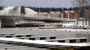 Båt vid hamnen i Borgå