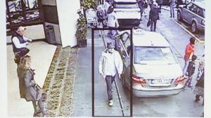 Mannen i vit jacka och hatt misstänks ha deltagit i terrordådet i Bryssel.