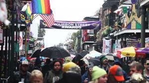 Under festivalen Mardi Gras på Bourbon Street i New Orleans 2014.
