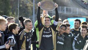 SJK firar guld i ligacupen