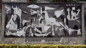 Guernica-seinämosaiikki, Espanja