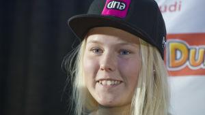 Janina Mäkinen en av sex damåkare i pisten vid Levi på lördagen.