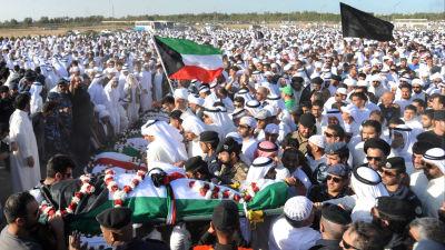Bomb mot begravning i bagdad dodade 25