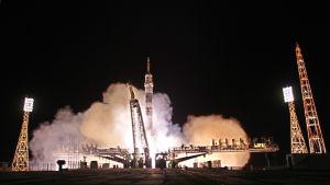 Sojuz skjuts i väg från Kazakstan mot den internationella rymdstationen 26.9.2014