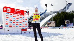 Kaisa Mäkäräinen vid Holmenkollen 2014.