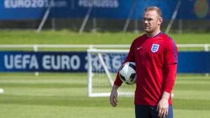 Wayne Rooney leder England som lagkapten vid EM-slutspelet.