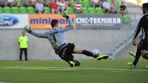 Jevgenij Kobozev höll VPS i matchen när det stormade.