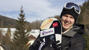 Anton Lindfors, snowboardcross-åkare.