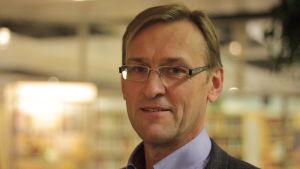 styrelsens ordförande Mikael holmberg