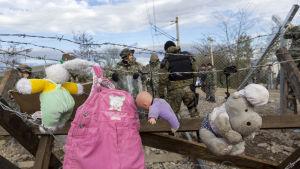 Kläder på tork vid grekisk- makedoniska gränsen