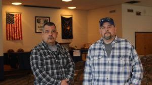 Tim Mathis och John Feltner i Stålarbetarfackets festlokal i västra Indianapolis.