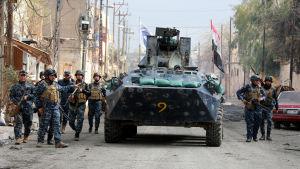 Specialenheter från den federala polisen har deltagit i striderna som har nått den tätt bebodda gamla staden i västra Mosul