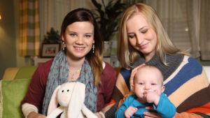 rosa hautala, up-kaksoisolentokisavoittaja pilvi claudia sekä vauva