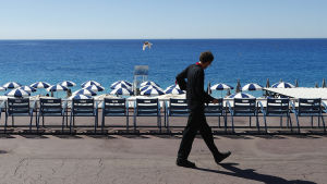 Tomt på stranden i Nice efter attacken