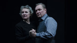 Tiina Weckström och Jukka Pitkänen i Yksin Berliinissä.