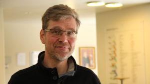 Henrik Palmén är lektor i finansiell ekonomi vid Hanken i Helsingfors.