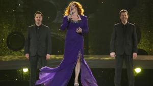 Irlands Niamh Kavanagh på Eurovisionsscenen år 2010.