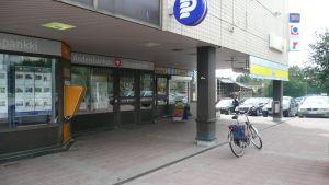 R-kiosken och andelsbanken i Nickby.