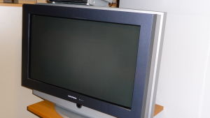 Svart tv-apparat