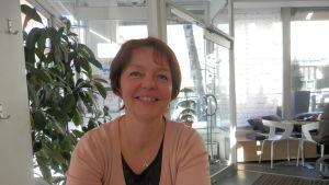 Fullmäktigeordförande Carola Sundqvist i Jakobstad(Sfp)