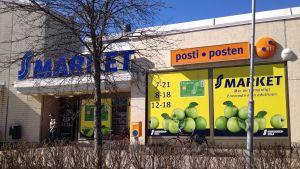 S-market i Pojo med ombudspost.