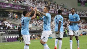 Manchester City firar mål.
