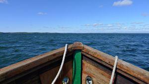 Fören på en träbåt
