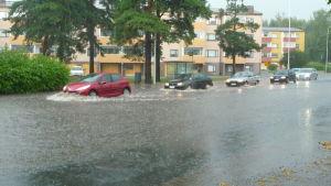 Regnet orsakade problem bland annat på Brändövägen.