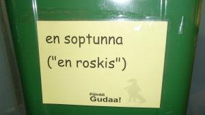 språkbadsjippo i hansakvarteret i åbo