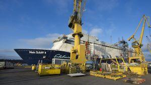 Mein Schiff 4 vid Åbovarvet, november 2014