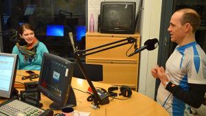Pia Mikander och Fritojf Sahlström tisdagssnackade i studion.